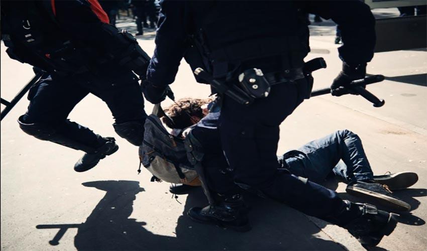 front contre violences policières