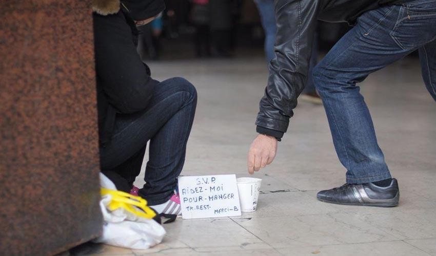 Toulouse amende femme mendiant
