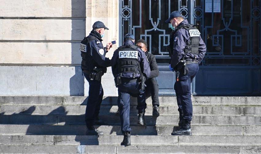 prison ferme toux sur gendarmes