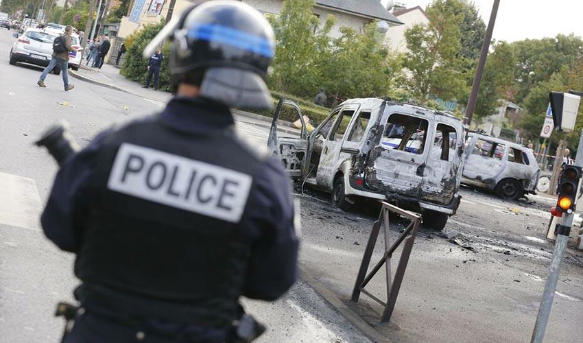 policiers brûles à Viry-Châtillon